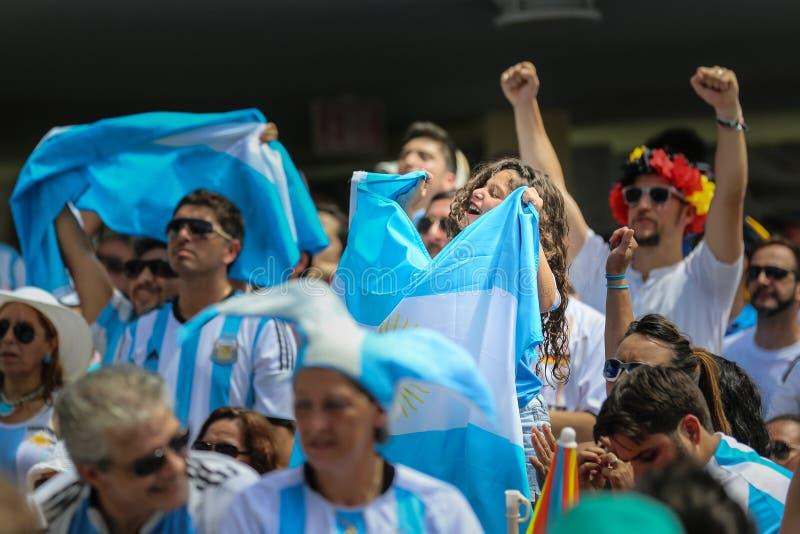 Argentinien-Fans auf Miami Beach stockbild