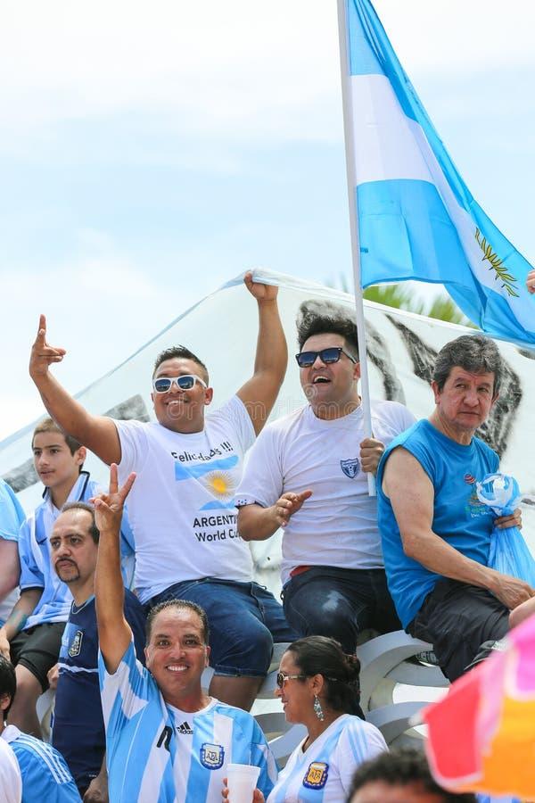 Argentinische Fußballfans lizenzfreie stockfotografie