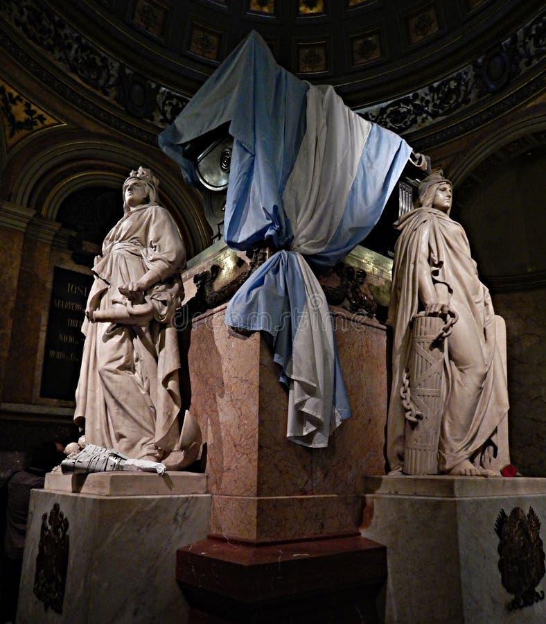 Argentinsk självständighethjältegeneral Don Jose San Martin Tomb som lokaliseras i den storstads- domkyrkan av Buenos Aires Argen arkivfoto