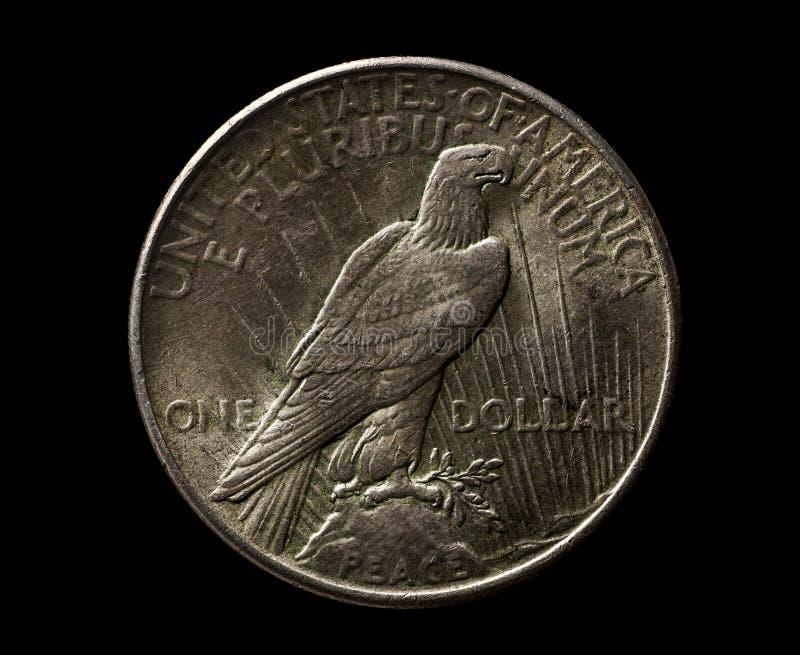 Argento degli Stati Uniti un dollaro da 1925 anni con l'aquila isolata sul nero fotografia stock