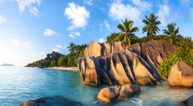 Argento del ` di fonte d di Anse - tiri sulla La Digue dell'isola in Seychelles immagini stock libere da diritti