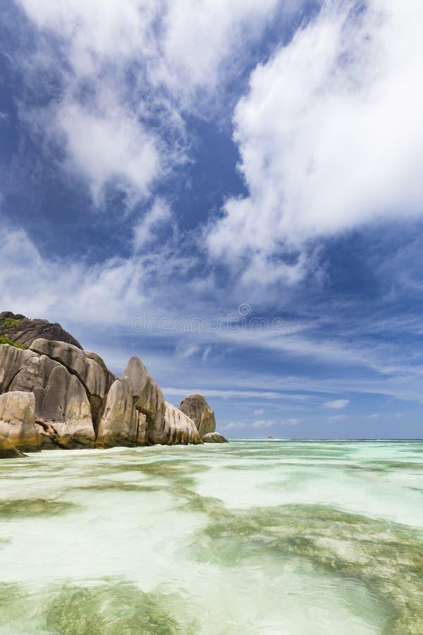 Argento del ` di fonte D di Anse, La Digue, Seychelles fotografia stock