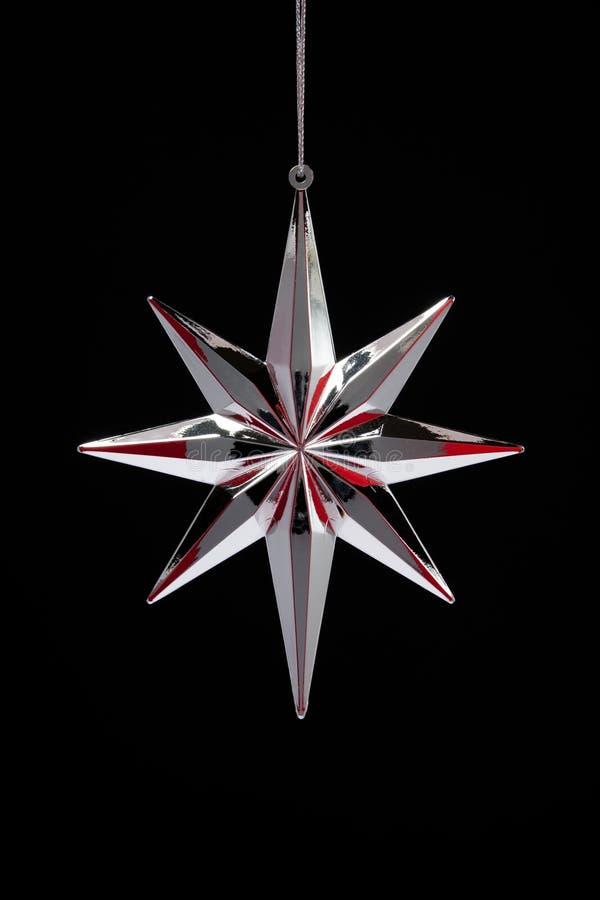 Argento della decorazione di natale con la stella rossa immagine stock