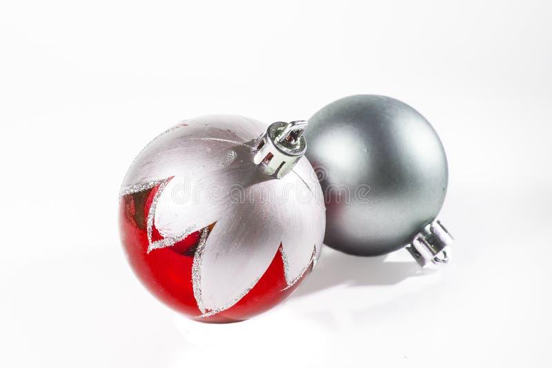 Argento e rosso dell'ornamento di Natale immagini stock libere da diritti