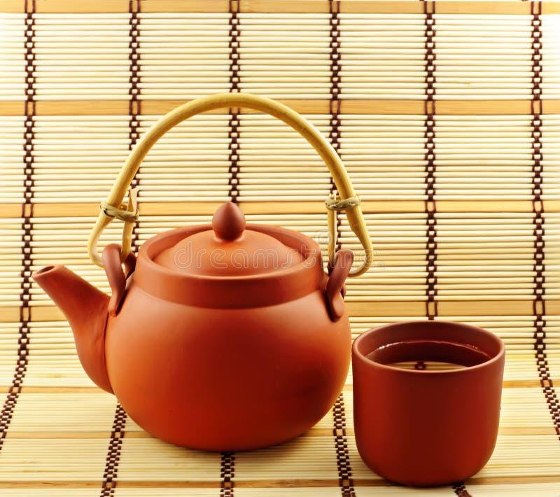 Argila ajustada para o chá chineese imagens de stock