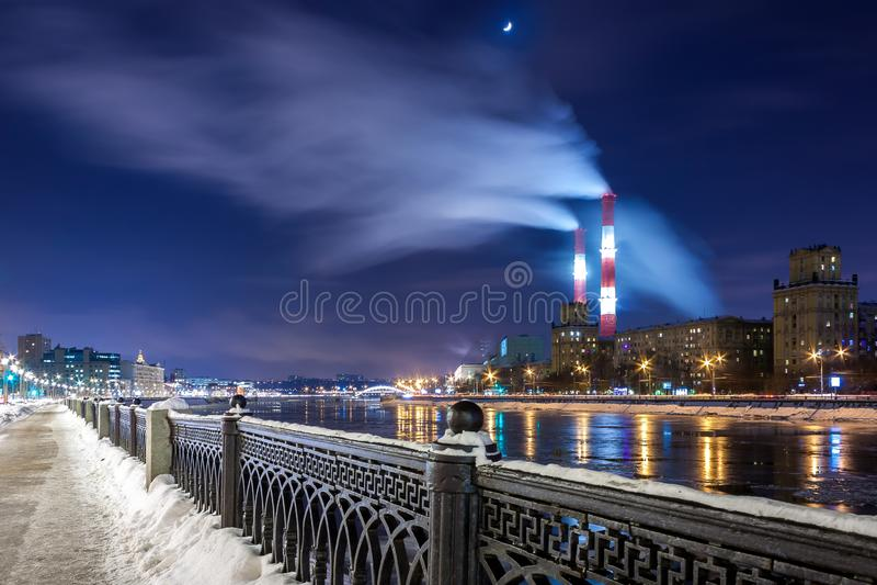 Argine di Savvinskaya a Mosca immagini stock