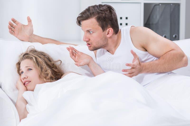 Argument in bed royalty-vrije stock afbeeldingen