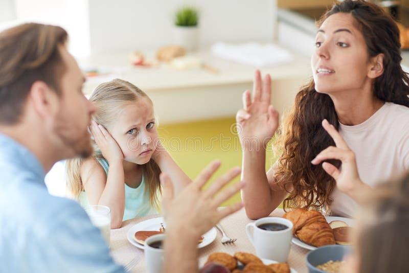 Argument van ouders stock foto's