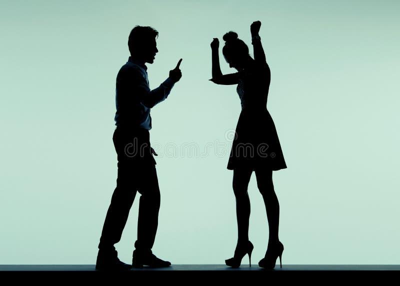 Argumentera par i det dåliga lynnet fotografering för bildbyråer