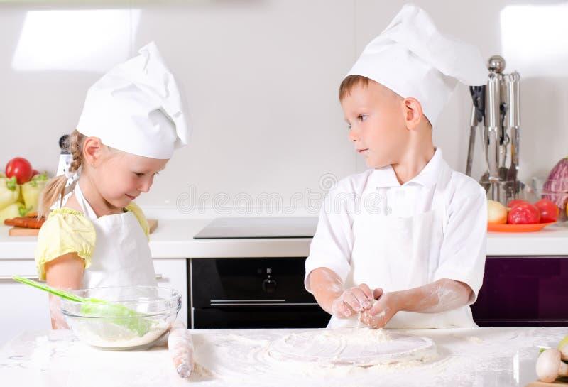 Argumentos na cozinha foto de stock
