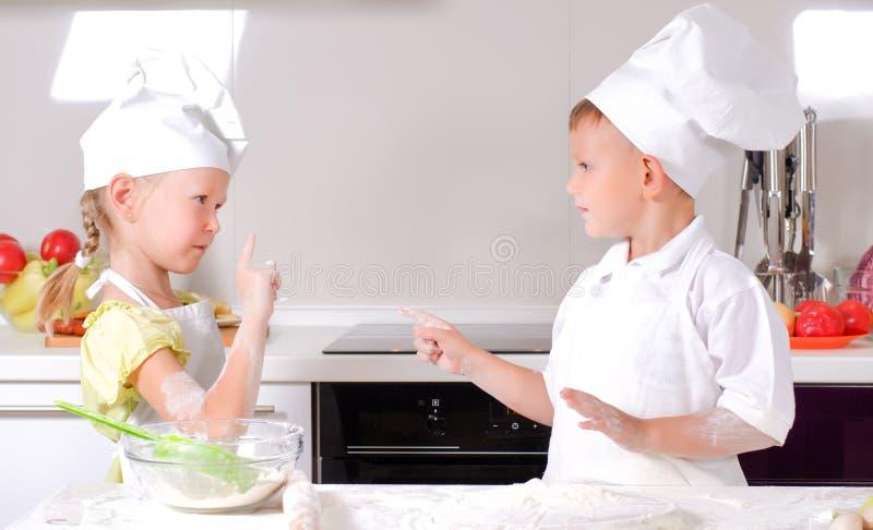 Argumentos na cozinha fotografia de stock