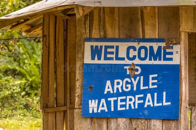 Argyle vattenfall i Trinidad och Tobago fotografering för bildbyråer