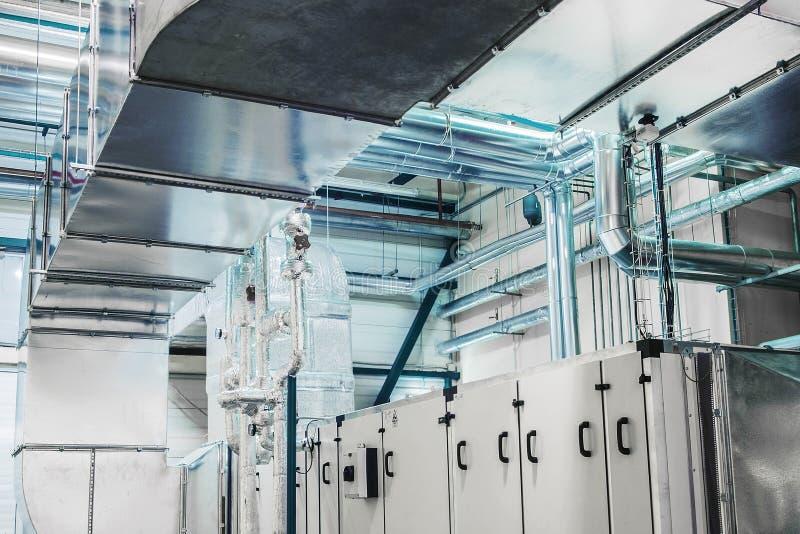 Aria che tratta unità, ventilazione industriale, condizionatore d'aria, annuncio pubblicitario, isolamento, conduttura fotografia stock