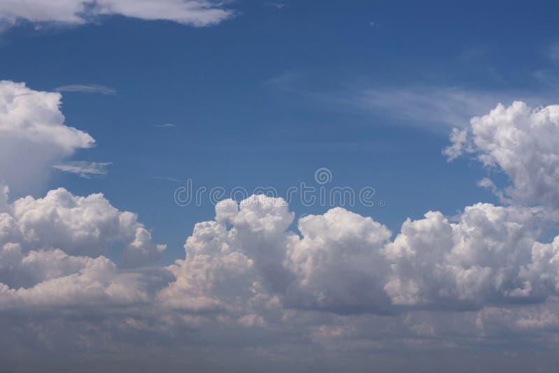 Aria di libertà della natura del fondo della nuvola del cielo di Cloudscape scenica immagine stock libera da diritti