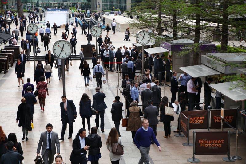Aria e impiegati di concetto di affari di Canary Wharf immagine stock