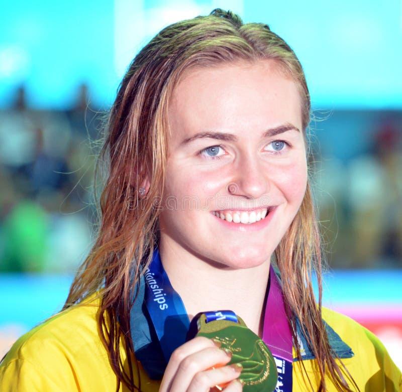 Ariarne Titmus AUS won het vrije slag van vrouwen 400m stock foto