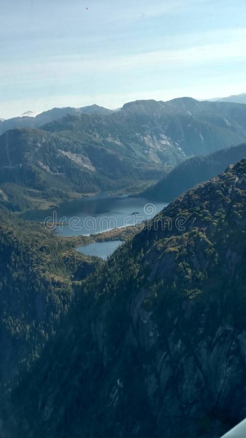Ariel View av Misty Fjords i den Ketchikan Alaska Tongass nationalskogen fotografering för bildbyråer