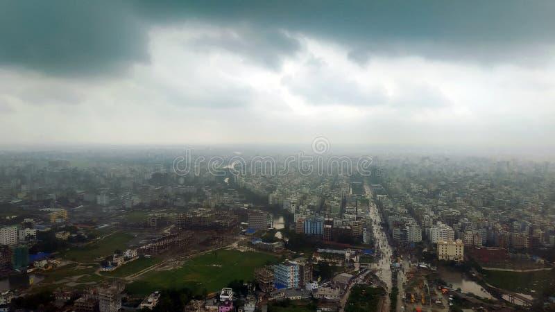 Ariel widok porcja Dhaka miasto w Bangladesz obrazy royalty free