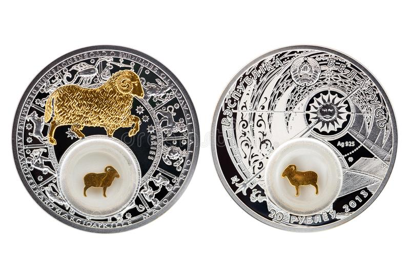 Ariete 2013 di astrologia della moneta d'argento della Bielorussia fotografia stock