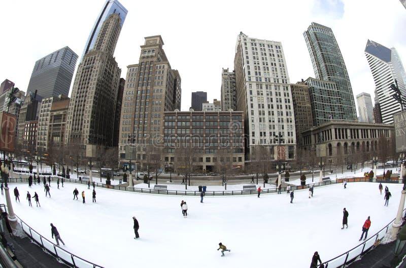 åka skridskor för isbana för chicago is utomhus- arkivbild