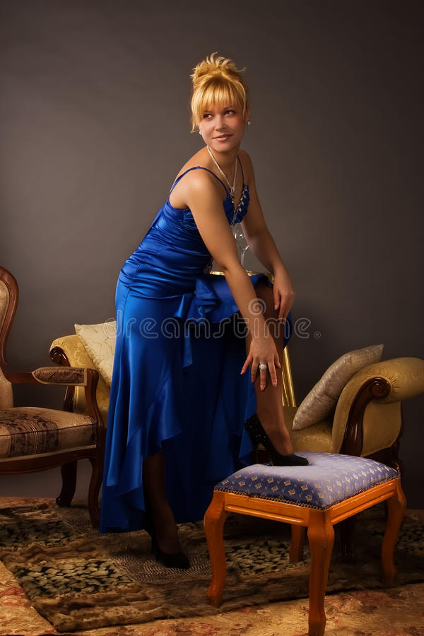 Free Aristocratic Lady In A Dark Blue Dress Stock Photography - 16516042