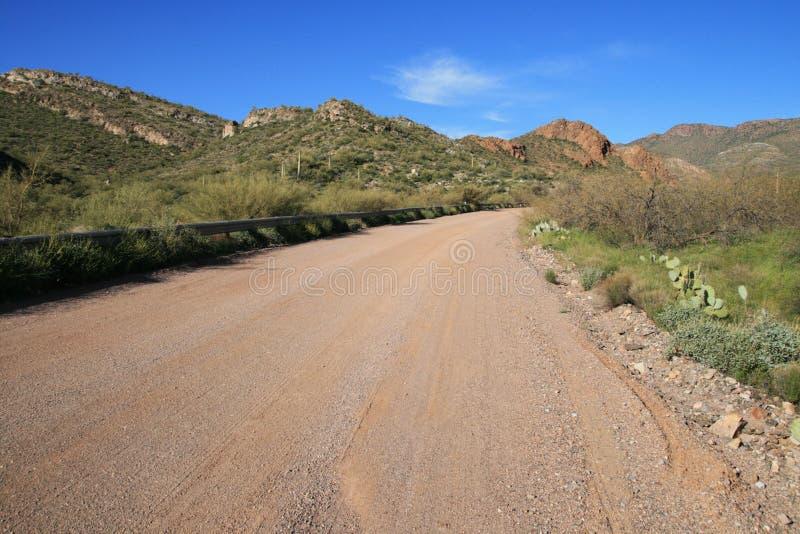 Arizona-Schotterweg lizenzfreie stockbilder