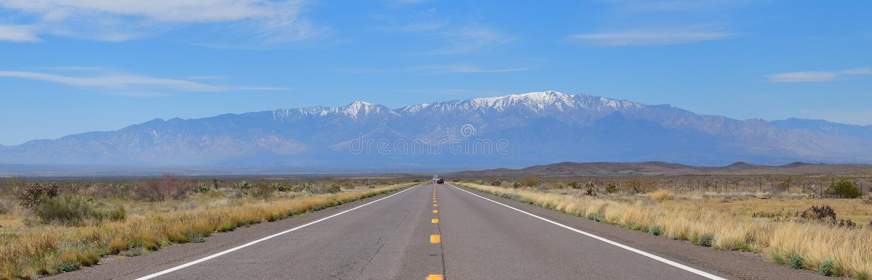 Arizona, US-191: Weiter Weg zu Mt graham lizenzfreies stockbild