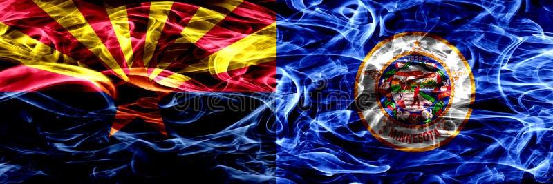 Arizona versus zij aan zij geplaatste vlaggen van de het conceptenrook van Minnesota de kleurrijke stock foto
