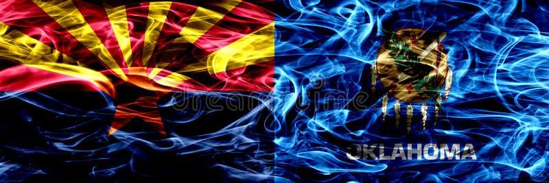 Arizona versus zij aan zij geplaatste vlaggen van de het conceptenrook van Oklahoma de kleurrijke stock foto's