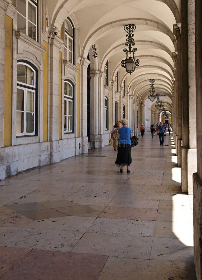 Arkady przy Pracą De Comercio w Lisbon, Portugalia - obraz royalty free