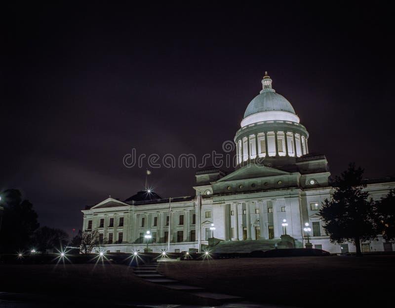 Arkansas Capitol budynek przy nocą zdjęcie royalty free