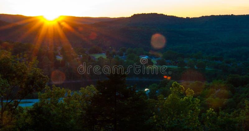 Arkansas solnedgång Eureka Springs Ozarks arkivfoton