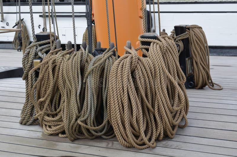 Arkany na pokładzie wielki żeglowanie statek obraz stock