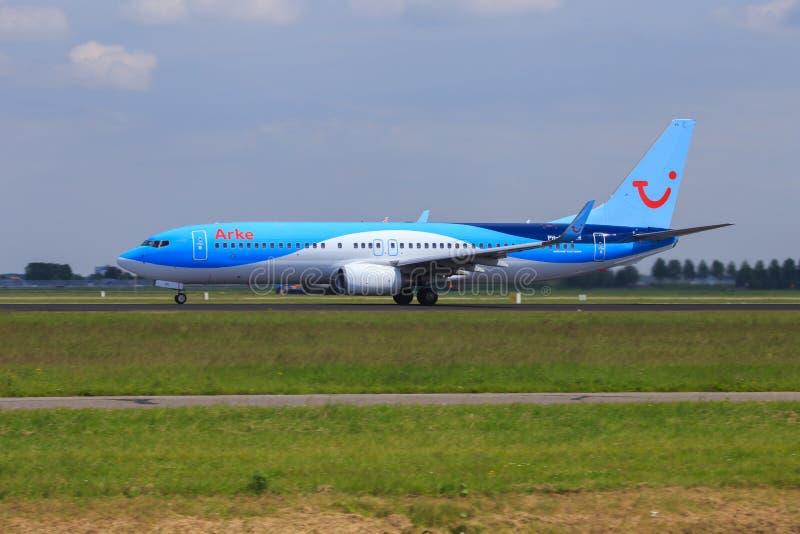 Arke Boeing 737 en funcionamiento del despegue foto de archivo