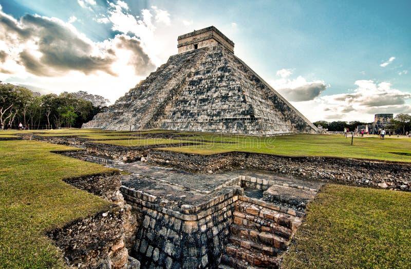 Arkeologisk plats av Chichen-Itza i Mexico, Yucatan halvö royaltyfri fotografi