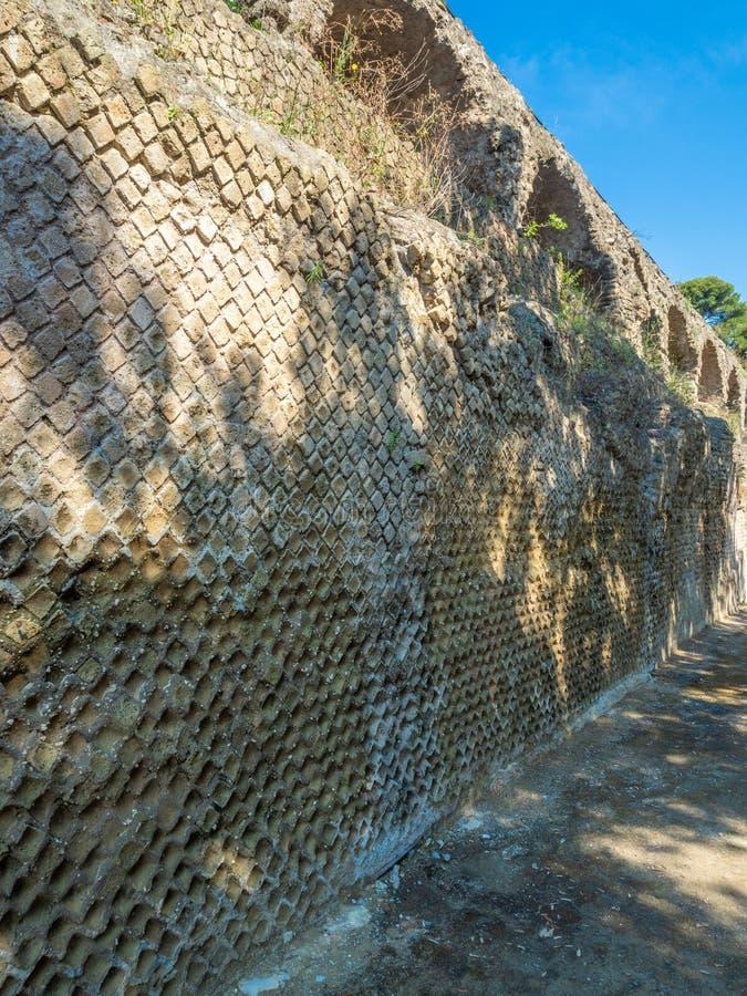 Arkeologiskt parkera av Baia, arkitektoniska detaljer arkivfoton