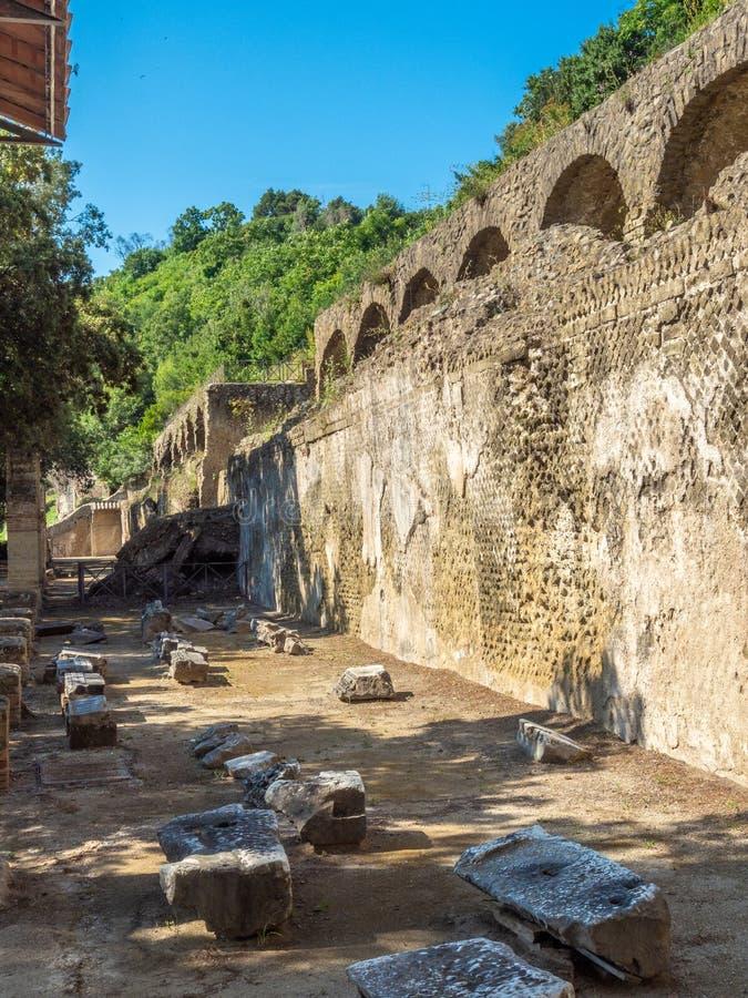 Arkeologiskt parkera av Baia, huvudsakliga arkitektoniska särdrag royaltyfria bilder