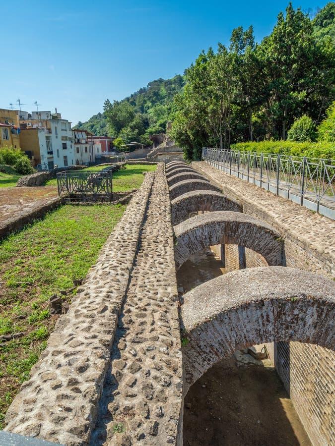 Arkeologiskt parkera av Baia, huvudsakliga arkitektoniska särdrag royaltyfria foton