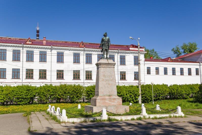 Arkhangelsk, Rússia Monumento ao imperador Peter mim o grande foto de stock