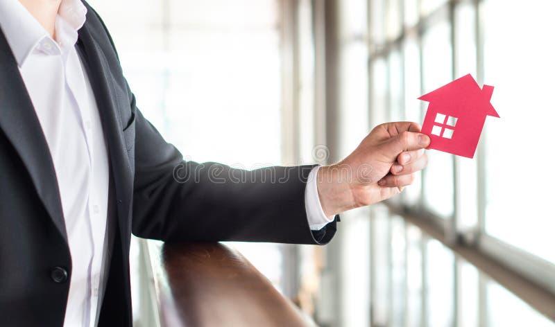 Arkitekt, bankir, fastighetsmäklare, medel, affärsman eller mäklare arkivfoton