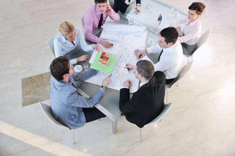 Arkitektaffärslag på möte arkivbilder