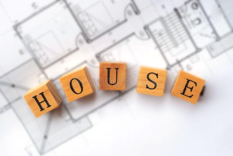 Arkitektarbetsplatsen med projektplaner Del av arkitektprojekt Konstruktioner för teknik och arkitektur arkivfoto