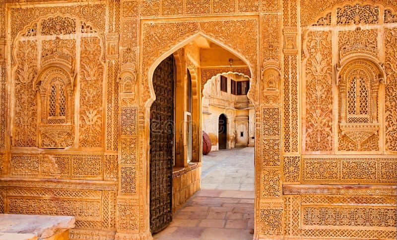 Arkitektonisk detalj av den Mandir slotten, Jaisalmer, Rajasthan arkivbild