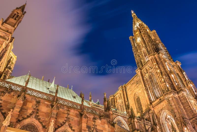 Arkitektonisk detalj av den Notre-Dame domkyrkan av Strasbourg royaltyfri foto