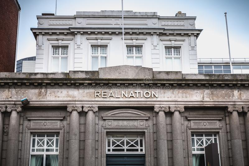 Arkitektonisk detalj av det RealNation kontoret i Dublin, Irland royaltyfria bilder