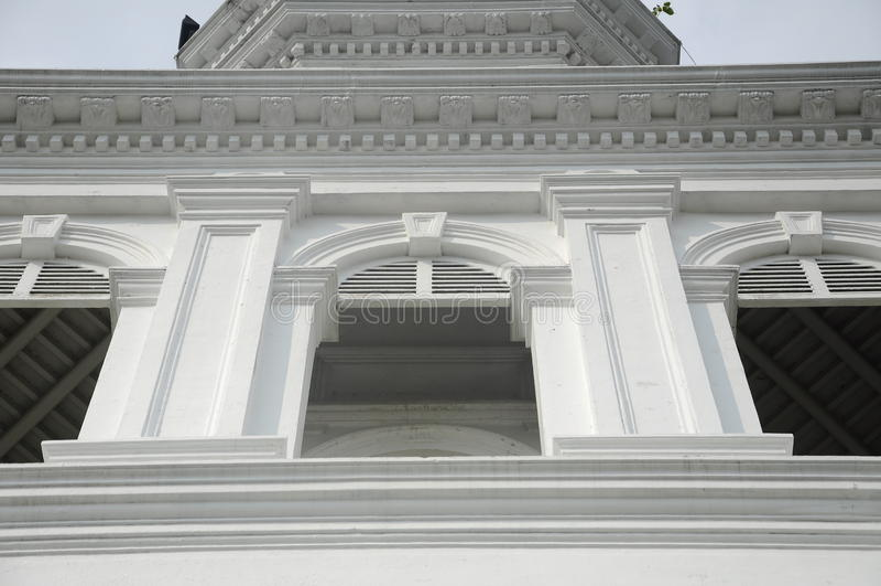 Arkitektonisk detalj av Sultan Abu Bakar State Mosque i Johor Bharu, Malaysia fotografering för bildbyråer