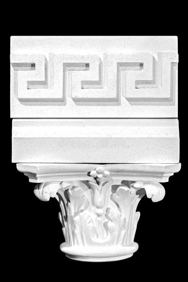 Arkitektonisk klassisk kolonn isolerad svart bakgrund fotografering för bildbyråer