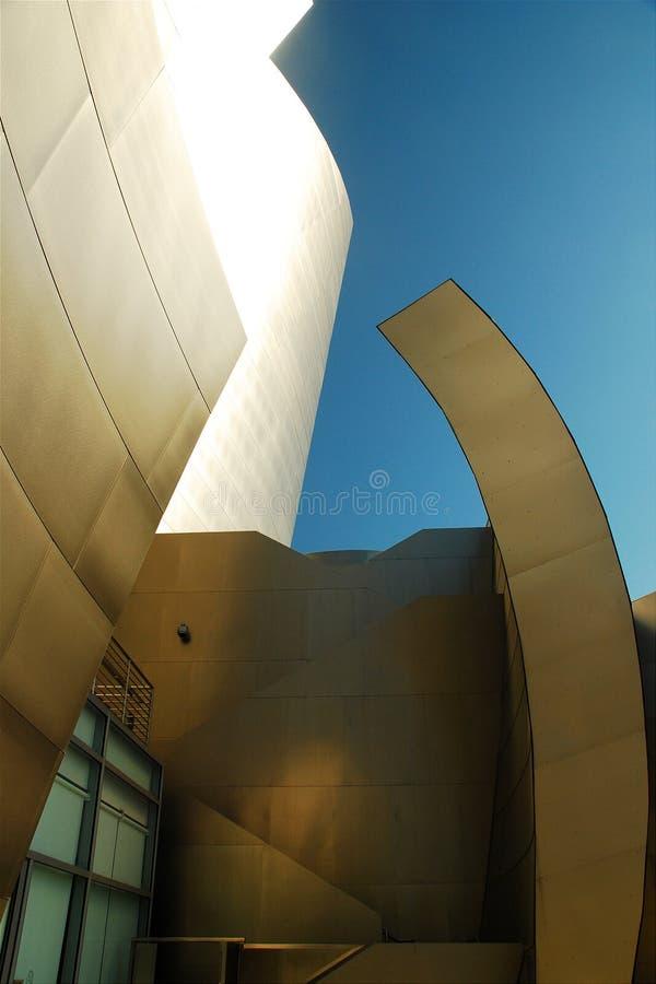 arkitektonisk reflekterad shopping för detaljbalkar glass galleria royaltyfria bilder