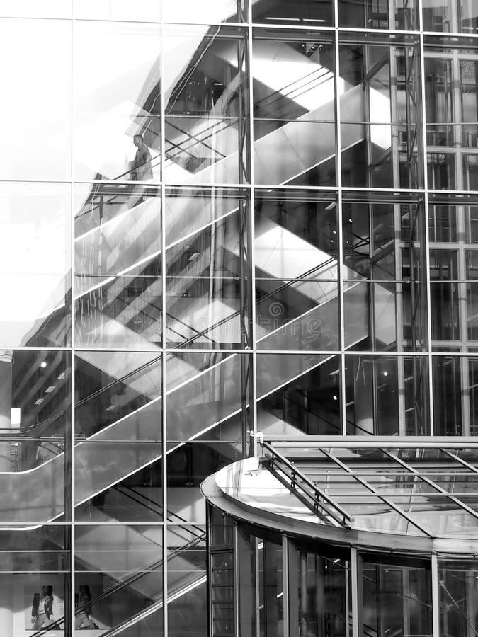 Download Arkitektonisk rytm fotografering för bildbyråer. Bild av glasyrer - 39439
