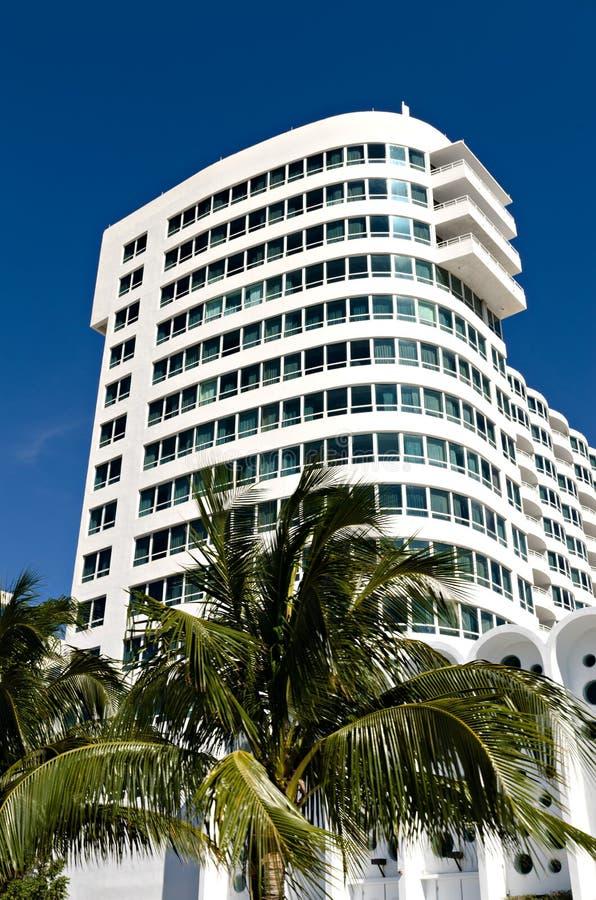Arkitektoniska byggande Miami royaltyfria bilder